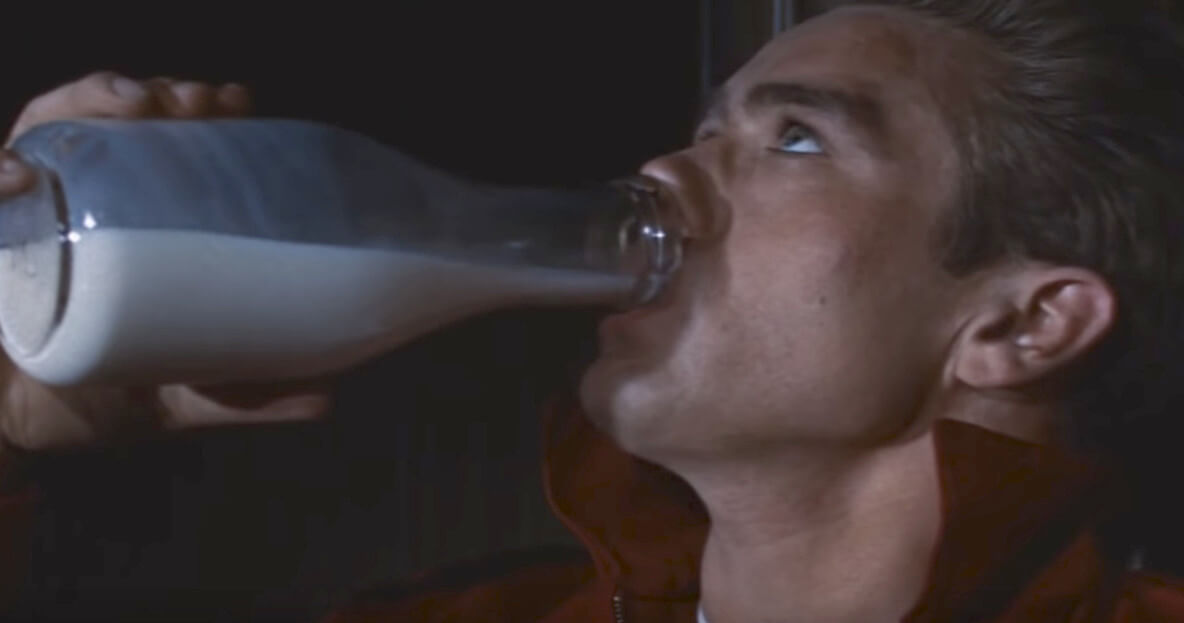 映画の中の牛乳の意味_004